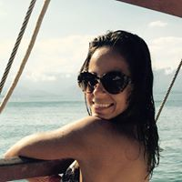Profile of Claudia Oliveira