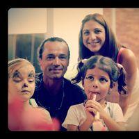 Profil de Luis y Ara